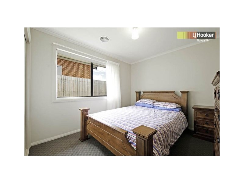 4 Enfield Street, Casey ACT 2913