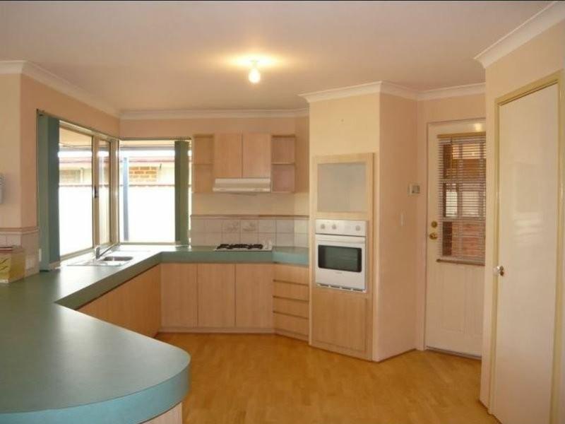 10 Zircon, Maida Vale WA 6057