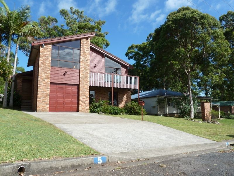 5 Seaview Street, Diamond Beach NSW 2430