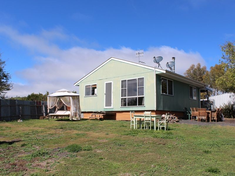 12 Moredun Road, Ben Lomond NSW 2365
