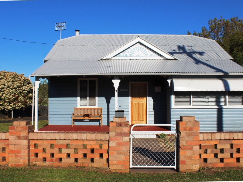7 Macquarie Street, Glen Innes NSW 2370