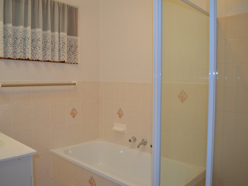 45 Dampier Blvd, Killarney Vale NSW 2261