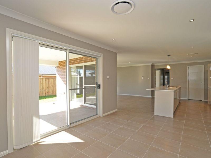 51 McKeachies Drive, Aberglasslyn NSW 2320