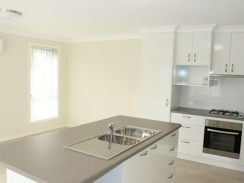2/4 Northcote Street, Aberdare NSW 2325