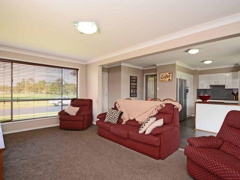 27 Chichester Avenue, Tarro NSW 2322