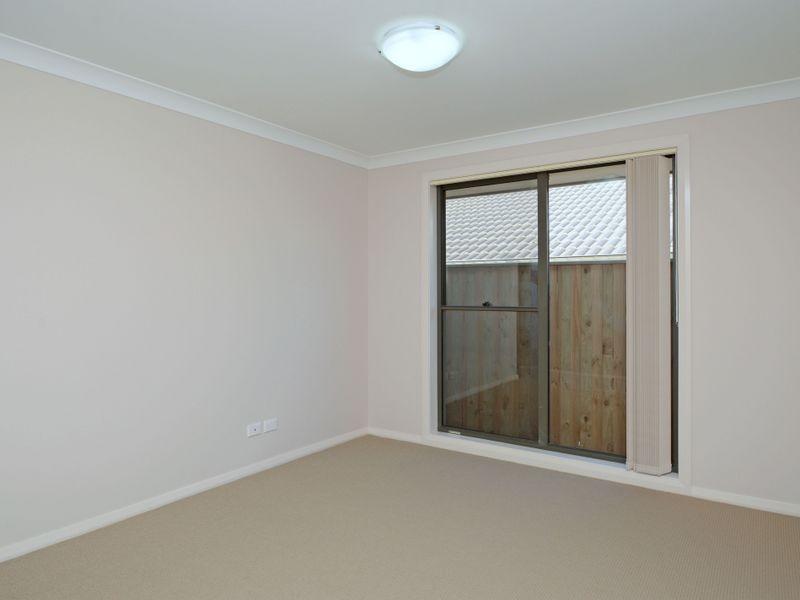 2/25 Dunnart Street, Aberglasslyn NSW 2320