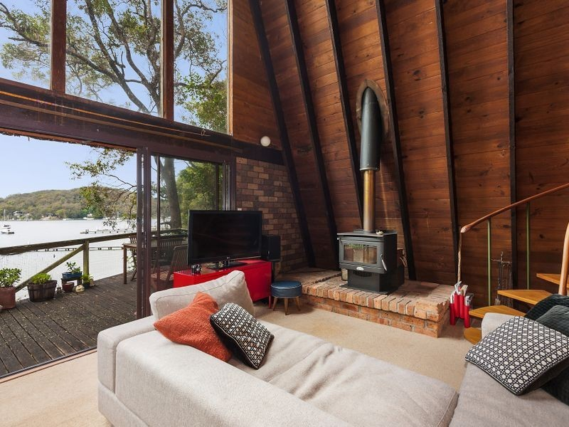 14 The Chase, Lovett Bay NSW 2105
