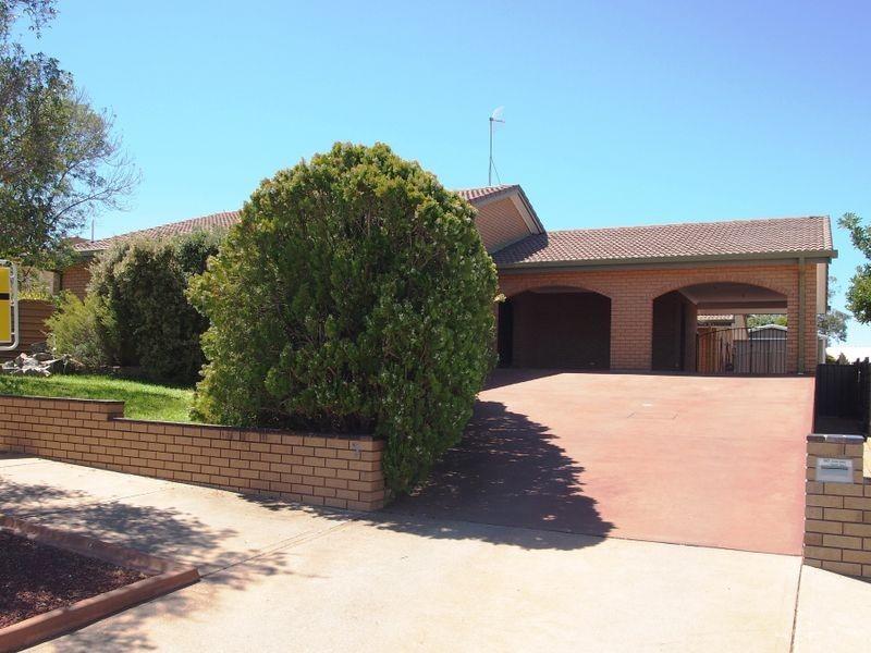5 Cummins Place, Broken Hill NSW 2880