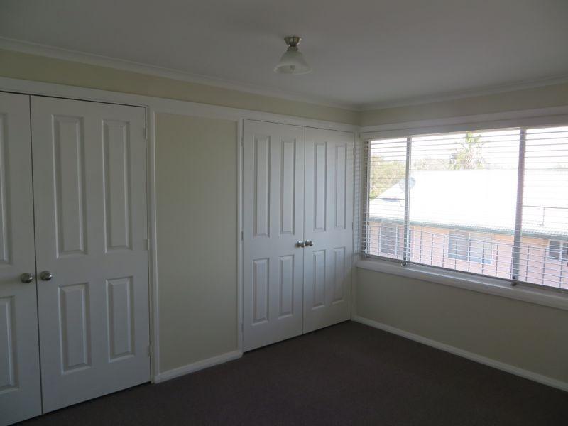 1/24 Campbell Street, Aberdeen NSW 2336