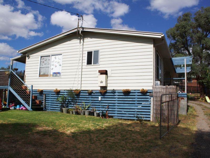 2 Mount Street, Aberdeen NSW 2336