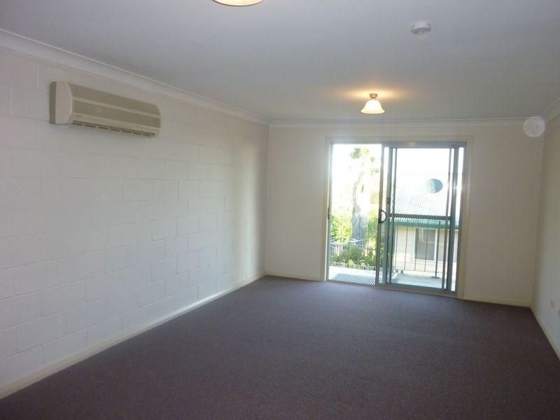 2/24 Campbell Street, Aberdeen NSW 2336