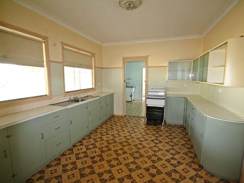 22 Mount Street, Aberdeen NSW 2336