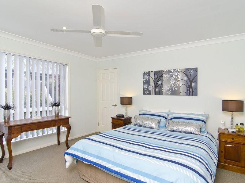 1/1 Shannonbrook Grove, Oxenford QLD 4210