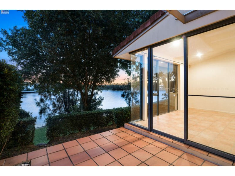 111/125 Santa Cruz Boulevard, Clear Island Waters QLD 4226