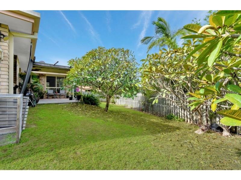 6 Motu Close, Pacific Pines QLD 4211
