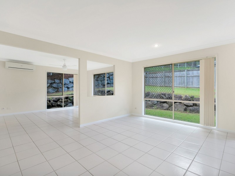 6 Inman Court, Pacific Pines QLD 4211
