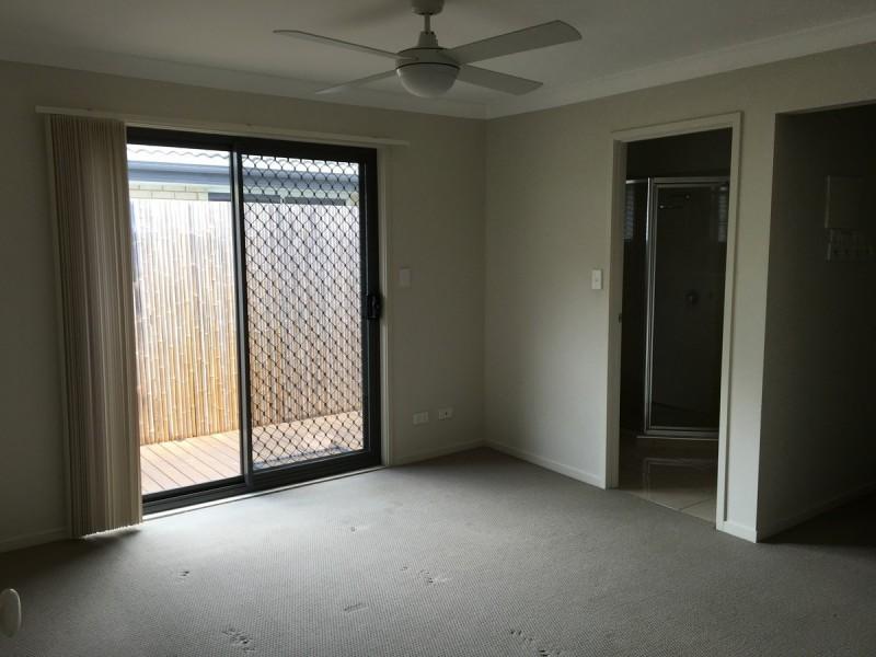 4 Eurella Street, Pacific Pines QLD 4211