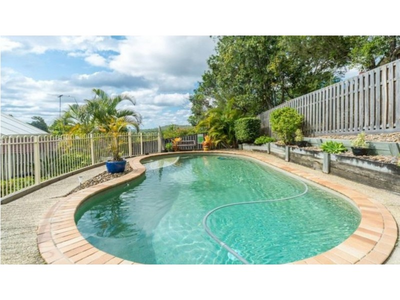 8 Bellona Court, Pacific Pines QLD 4211