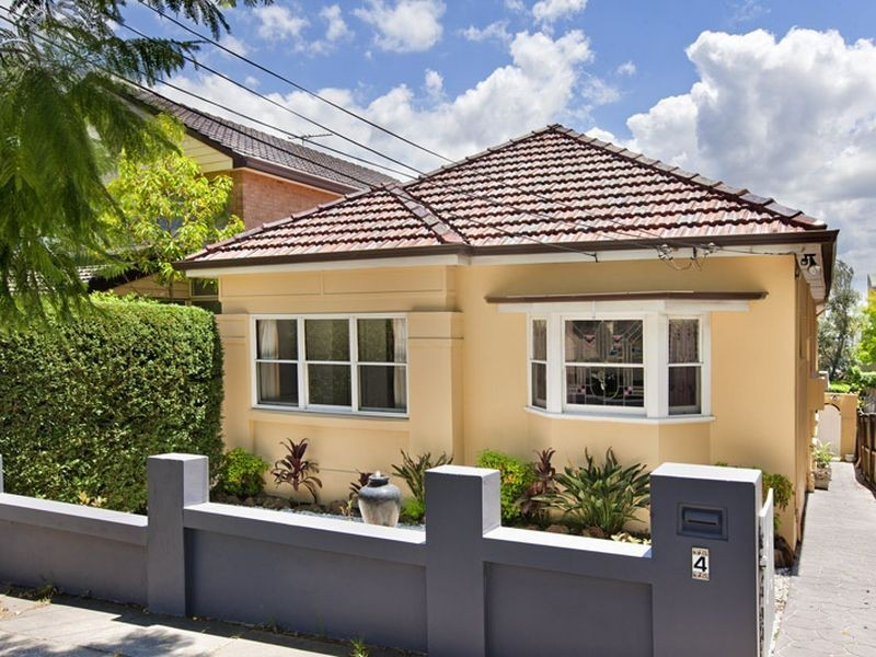 4 Fitzroy Street, Abbotsford NSW 2046