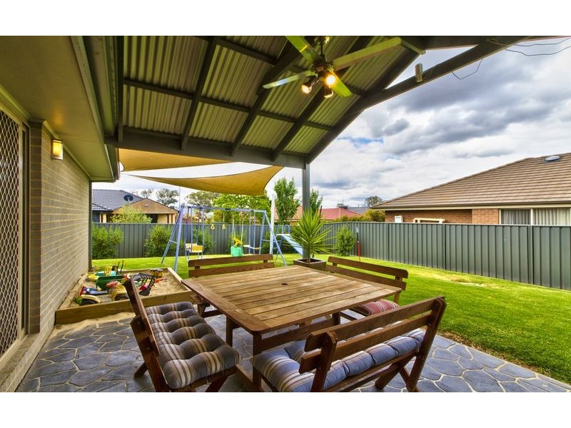 24 Squirrel Glider Drive, Thurgoona NSW 2640