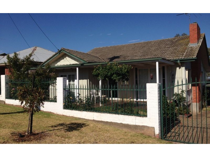 377 Solomon Street, Albury NSW 2640