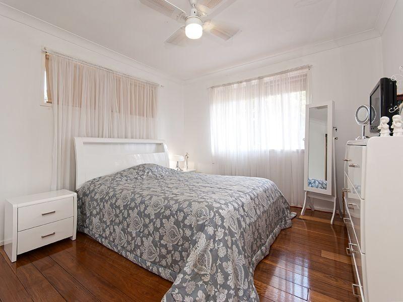 6 Marica Street, Bellbowrie QLD 4070