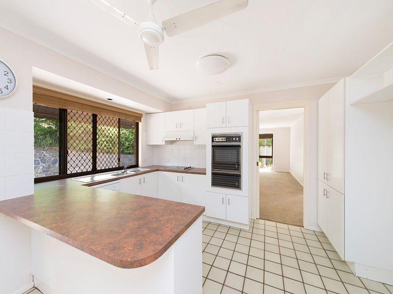 28 Pinkwood Street, Bellbowrie QLD 4070