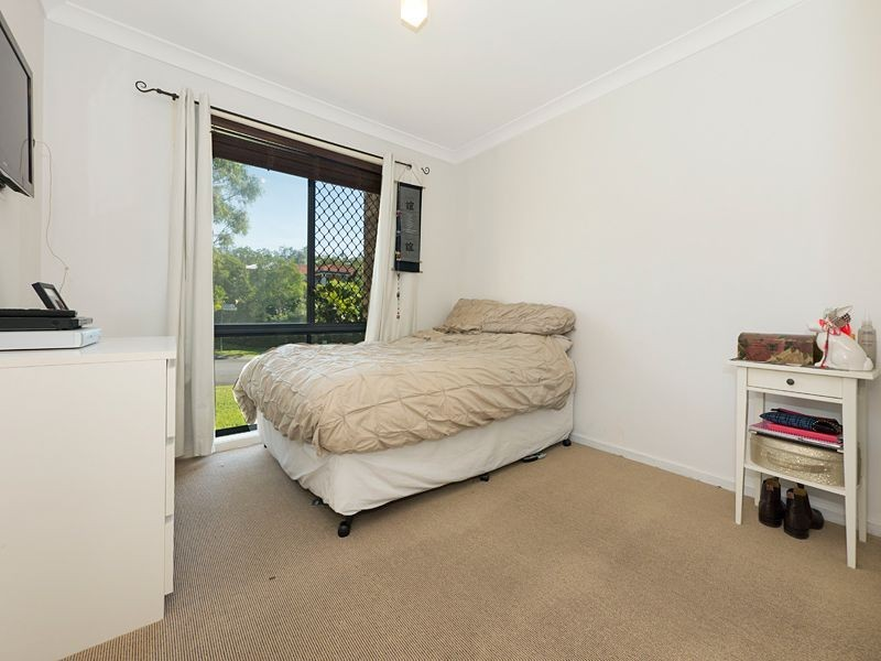 42 Gibson Crescent, Bellbowrie QLD 4070