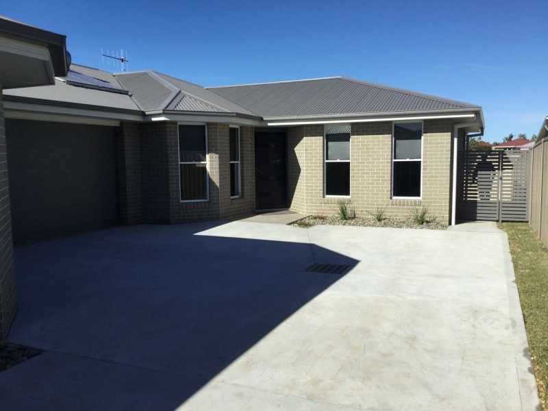 2/74 Forest Lane, Old Bar NSW 2430