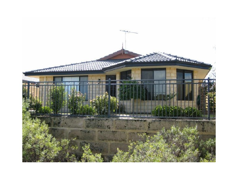 12 Arno Lane, Success WA 6164
