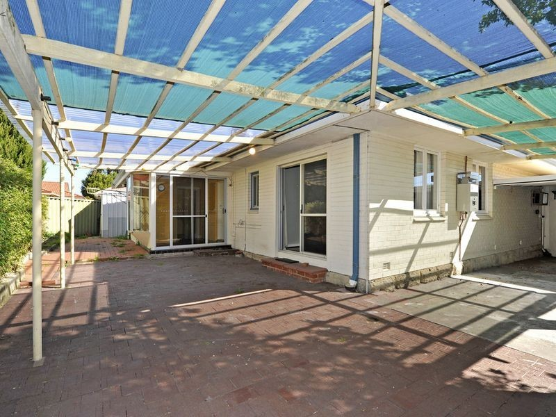 36 North Lake Road, Alfred Cove WA 6154
