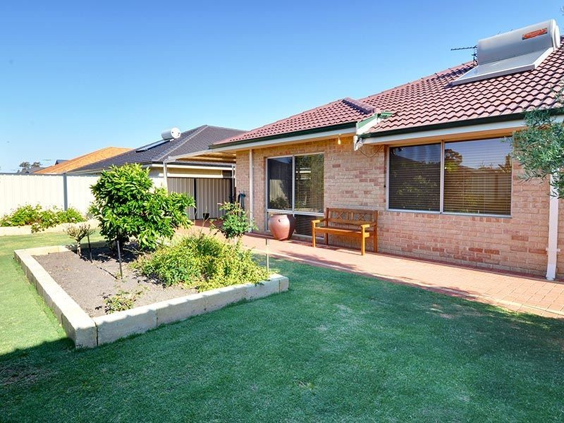 10 Barnes Way, Success WA 6164
