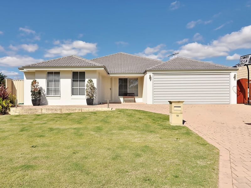 19 Astroloma Drive, Success WA 6164