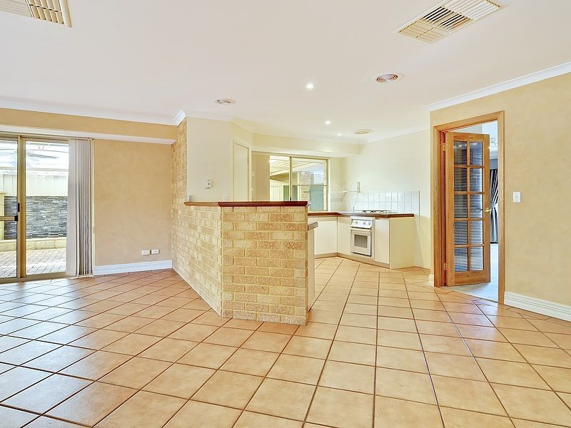 3 Ballard Mews, Success WA 6164