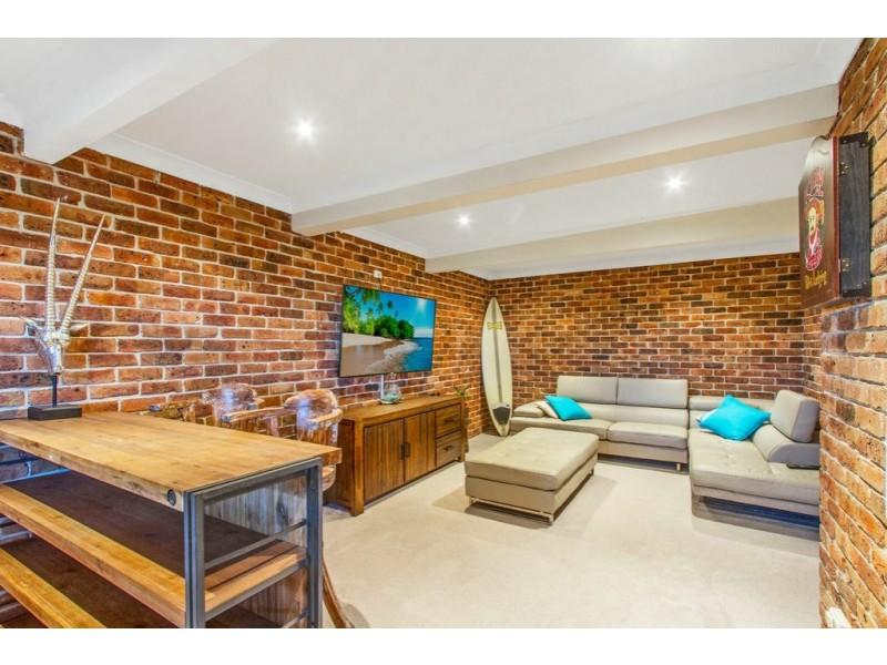 5 Jacaranda Crescent, Tascott NSW 2250