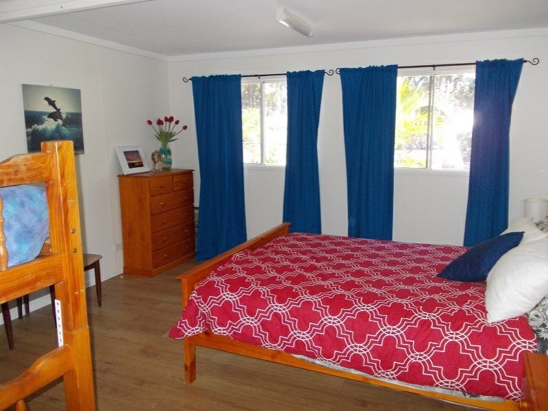 93 The Strand, Bulwer QLD 4025