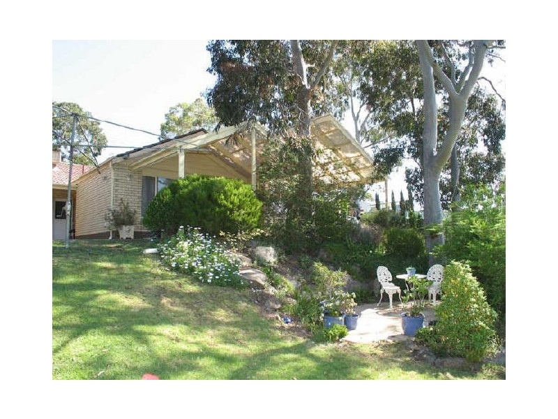 55 Oakridge Road, Aberfoyle Park SA 5159