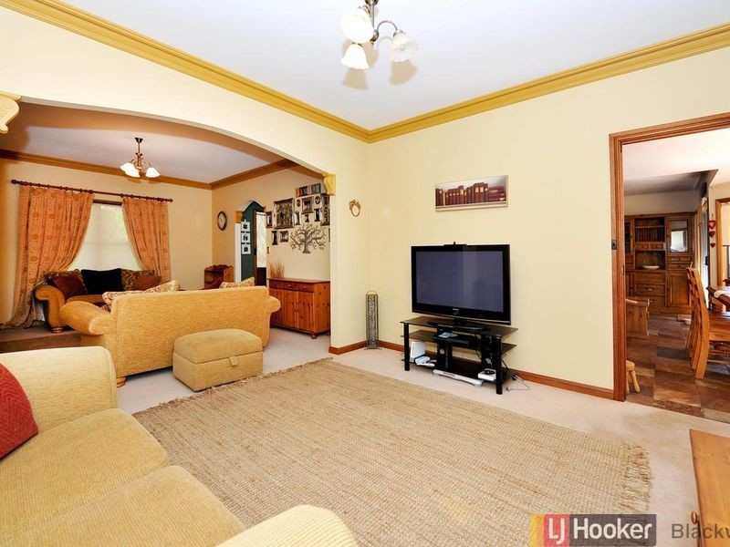 11 Woodland Grove, Aberfoyle Park SA 5159
