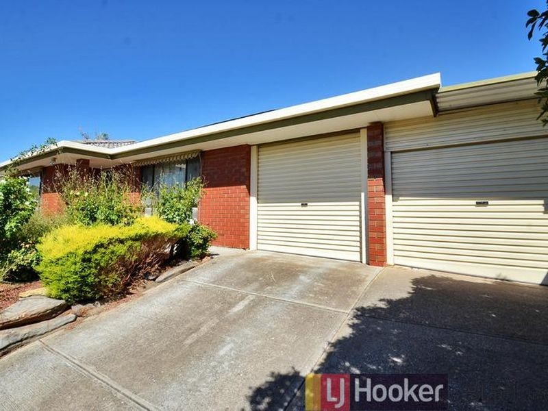 27 Maple Avenue, Aberfoyle Park SA 5159