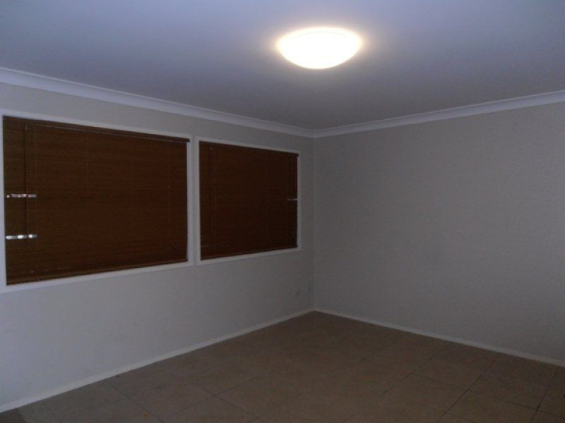 1/4 Efymia Court, Daisy Hill QLD 4127