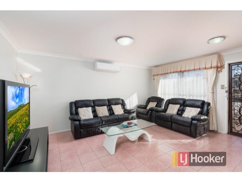 28 Aquilina Drive, Plumpton NSW 2761