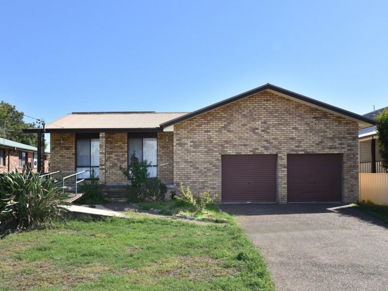 44 Howe Street, Singleton NSW 2330