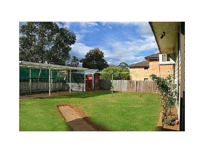 80 Blaxland Avenue, Singleton NSW 2330