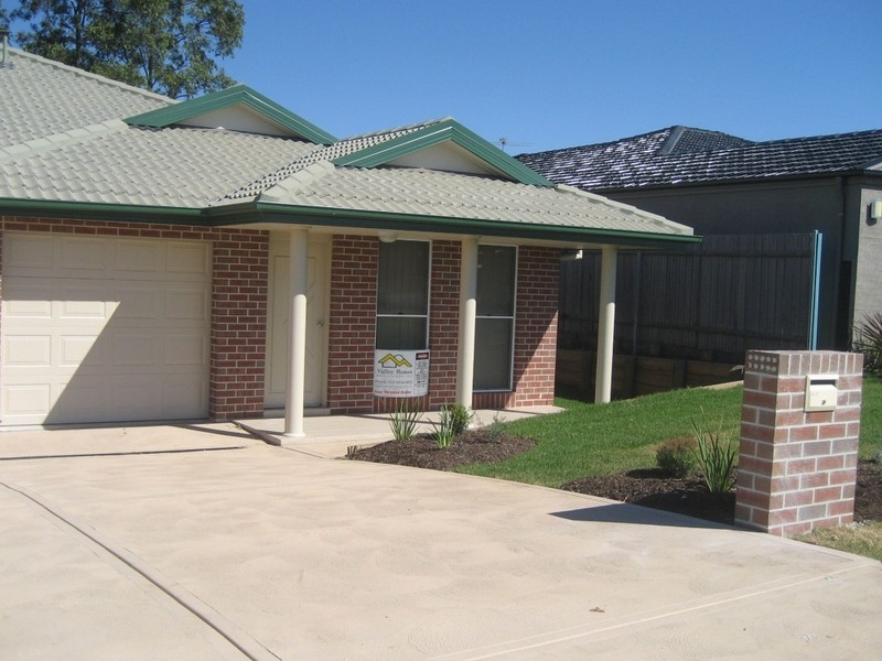 2/8 Wilkinson Blvde, Singleton NSW 2330