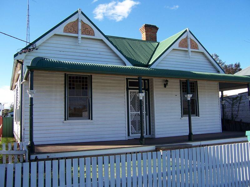 26 Pitt St, Singleton NSW 2330