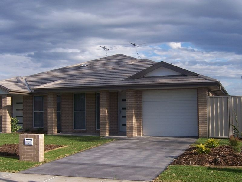 2/55 Wattle Ponds Road, Singleton NSW 2330