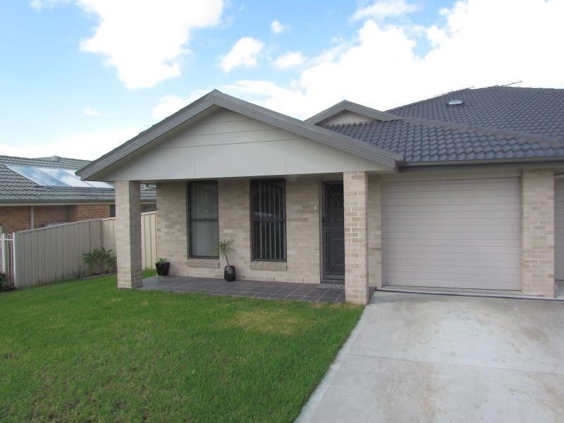 1/67 Casey Drive, Singleton NSW 2330