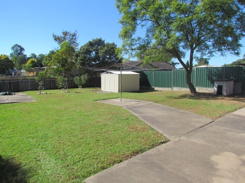 82 Lawson Avenue, Singleton NSW 2330