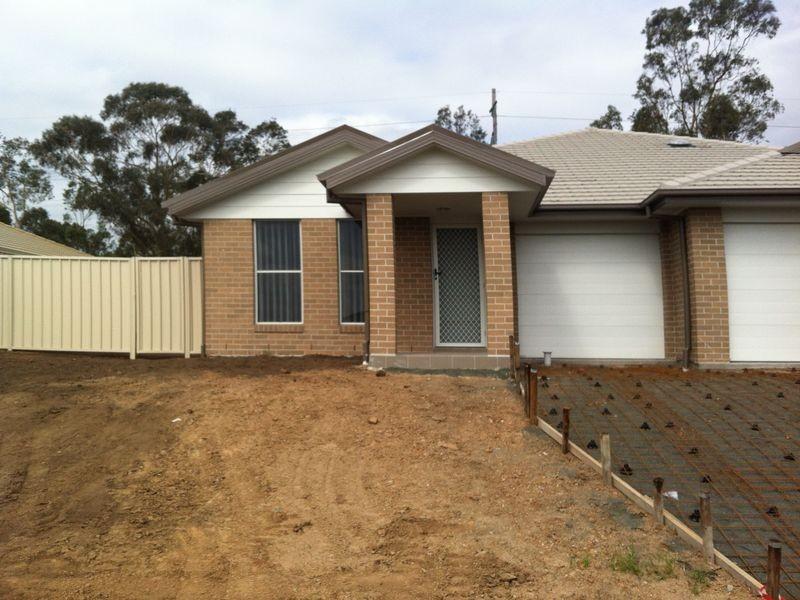 1&2/149 McMahon Way, Singleton NSW 2330