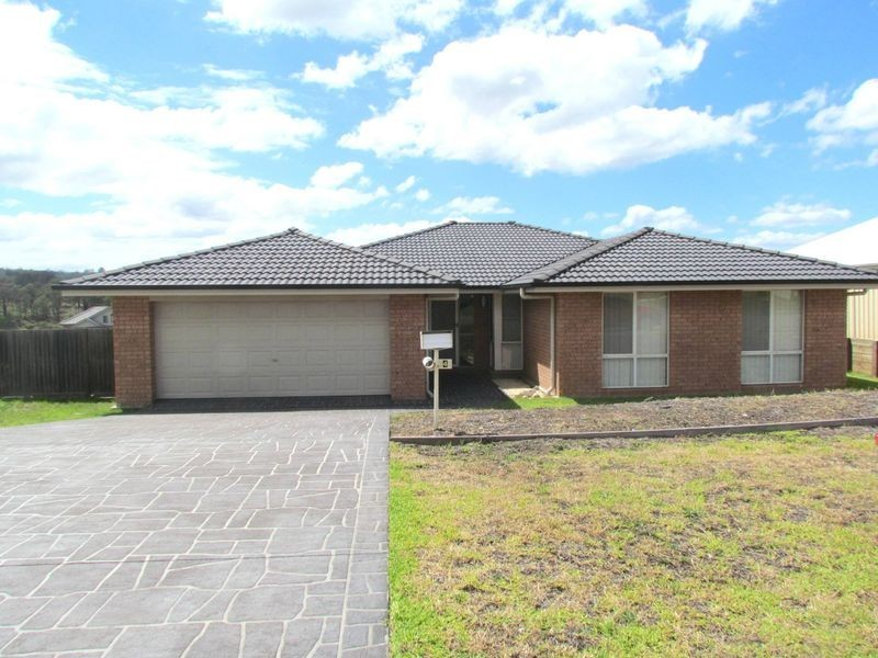 148 Casey Drive, Singleton NSW 2330
